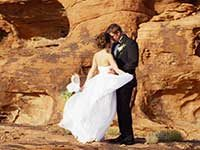 Valley of Fire Weddings by Limo